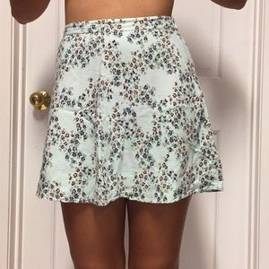 Cute floral skirt $5